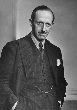 Robert_Gascoyne-Cecil_1947
